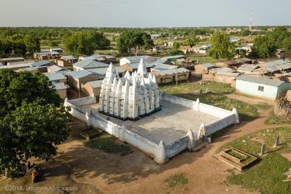 historic-mud-mosque-nakore-wa-ghana